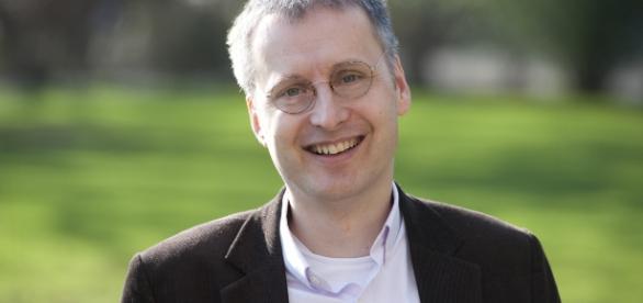 """""""Precisamos de novas perspectivas sobre o mundo, olhando para quantidades relativamente grandes de dados"""", diz professor"""