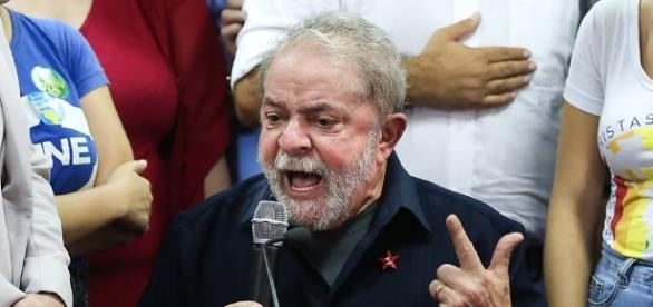 Lula faz declarações falsas à Lava Jato