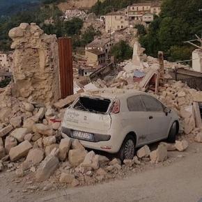 Centro Italia in ginocchio, si scava tra le macerie