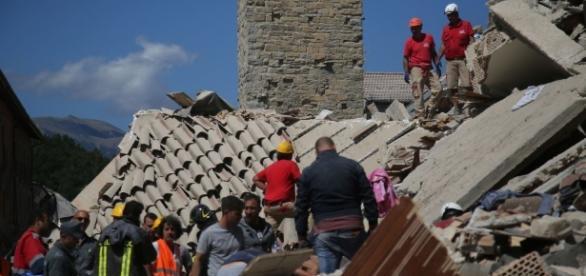Terremoto Centro Italia, diretta: 250 morti. Vigili continuano a ... - ilfattoquotidiano.it