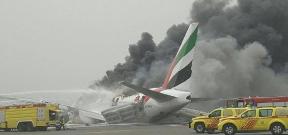 Aterizare de urgenţă a unui avion Emirates pe aeroportul din Dubai