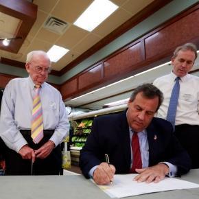 Christie vetoes minimum wage hike - News - NorthJersey.com - northjersey.com