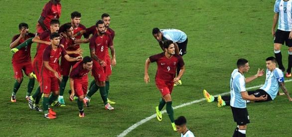 La selección argentina de fútbol Sub-23 perdió ante Portugal en el inicio del torneo olímpico de fútbol masculino en Brasil