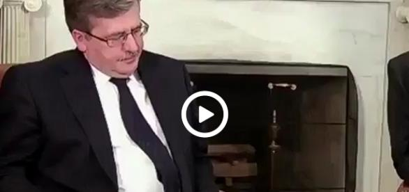 Bronisław Komorowski podczas rozmowy z Barackiem Obamą.