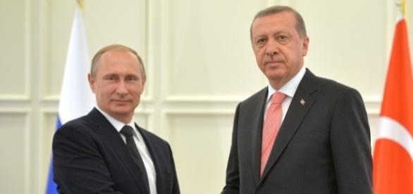 Putin și Erdogan au bătut palma, Turcia ar putea merge pe cartea Rusiei