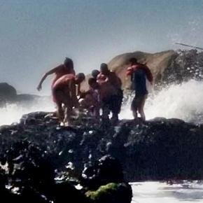 A forte agitação marítima dificultou a operação de salvamento