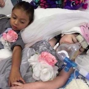 Visul fetiței Mary Massey care suferea de fibroză chistică a fost să se căsătorească cu prietenul ei Damien înainte de a muri - Foto: Facebook