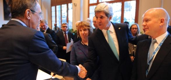 John Kerry oraz Siergiej Ławrow