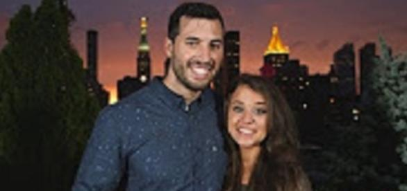 """Youtube still """"Jinger and Jeremy Announce Their Engagement   Counting On"""" TLC channel"""