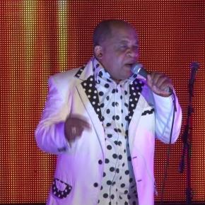 L'artiste Ben Decca sur scène à Douala-bercy lors de la célébration de ses 30 ans de carrière musicale. Crédit photo: Archives.