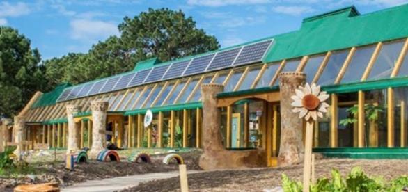 Une école 100 % écologique - lareleveetlapeste.fr