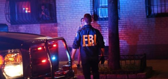 FBI enquêtant sur les explosions de New York