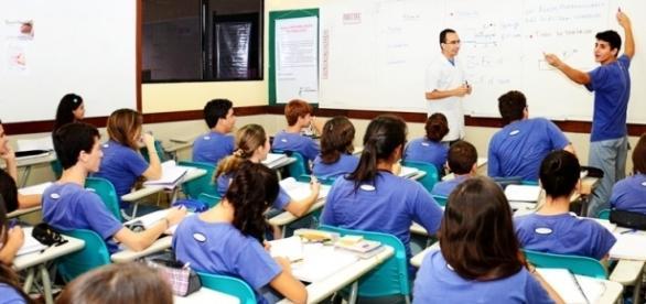 Governo garante que não irá acabar com nenhum disciplina do Ensino Médio