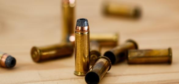 Une jeune femme a reçu six balles dont deux mortelles à la tête.
