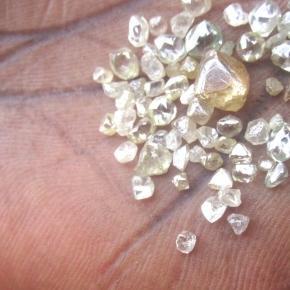 (Photo Credit: 100r.org) Pieces of diamond
