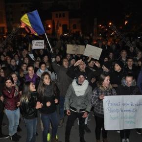Vor apăra românii Direcția Națională Anticorupție?
