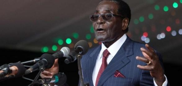 As police fire tear gas, Mugabe warns protesters that there will ... - scmp.com