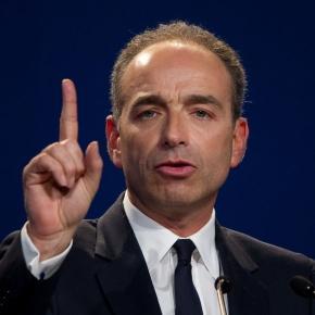Jean-François Copé, le doigt accusateur, estime que Sarkozy a triché (déclaration dans le journal Le Monde)
