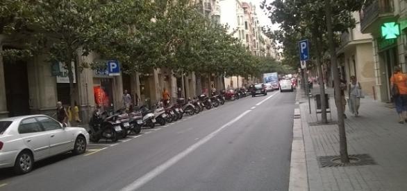 Carrer Gran de Gràcia, en uno de los barrios más elegidos por los nuevos compradores de casas en Barcelona (F. del A.).