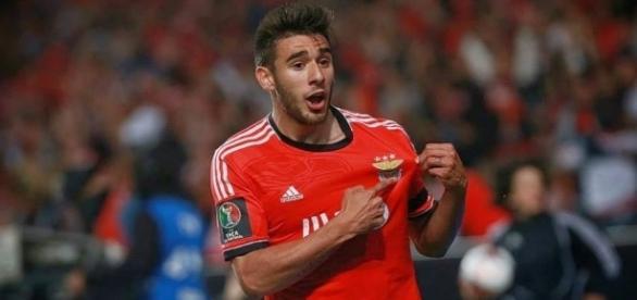 Benfica visita Arouca esta sexta-feira