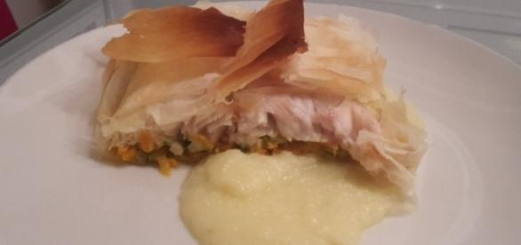 Filetto di pesce persico con julienne di verdure e purea di patate