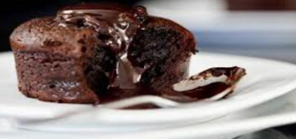 Tortino morbido con cuore al cioccolato fondente.