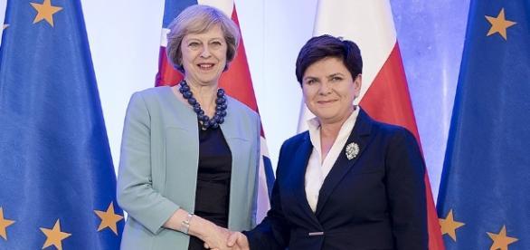Britanniens Premierministerin Theresa May und ihre polnische Amtskollegin. (Foto: P. Tracz / KPRM / Public Domain)