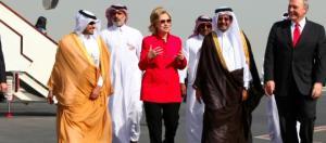 Clinton mit ihren arabischen Freunden. (U.S. Department of State / flickr / PD)
