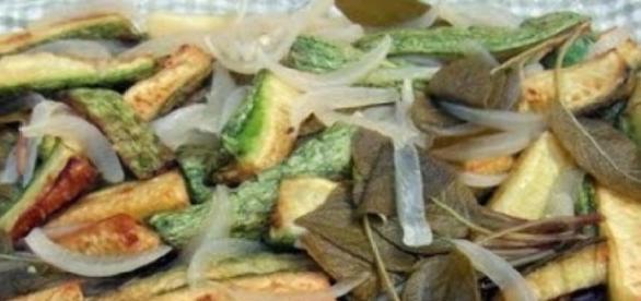 Piatto di zucchine in carpione