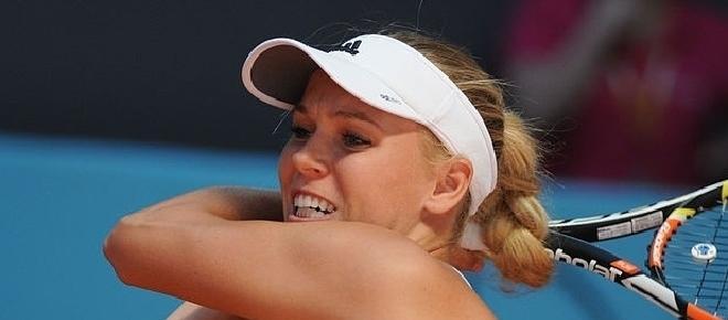 Karolina Pliskova, Caroline Wozniacki advance at 2017 Australian Open on Thursday