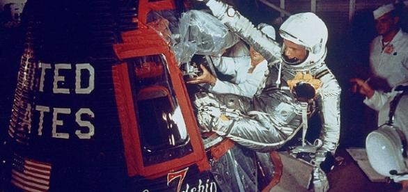 John Glenn enters Frienship 7 (NASA)