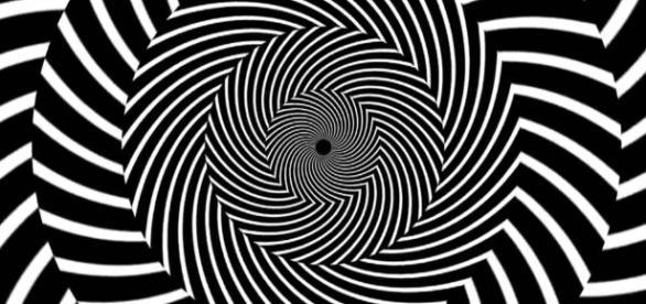 Niektóre teorie dotyczące hipnozy zakładają, że wizualizacje tego typu pomagają wejść w trans (fot.Google+)