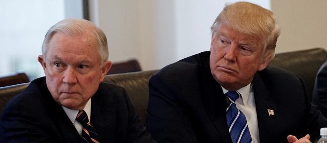 Trump cambia en Justicia, a Sally Yates por el ultra racista Jefferson Sessions