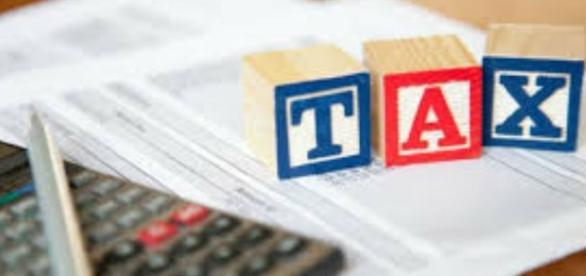 Income Tax slab 2017-18 (Image credits: India.com)