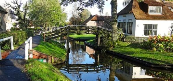 Giethoorn: La Venezia dei Paesi Bassi
