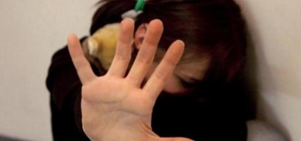 Giovane aggredita e violentata su un treno in Lombardia