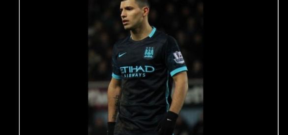 joshjdss - https://www.flickr.com/photos/109430286@N06/24617996902/in/album-72157663585237160/ West Ham United Vs Manchester City]