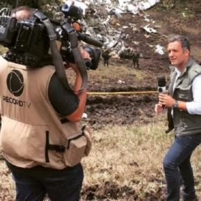 Leandro Stoliar durante cobertura da tragédia da Chapecoense (Foto: Reprodução/Facebook)