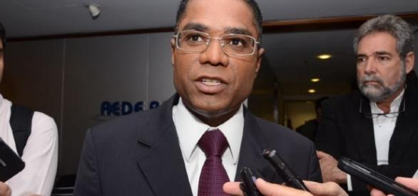 Deputado Márcio Marinho (PRB-BA), pastor licenciado da Universal, deverá chefiar a Secom