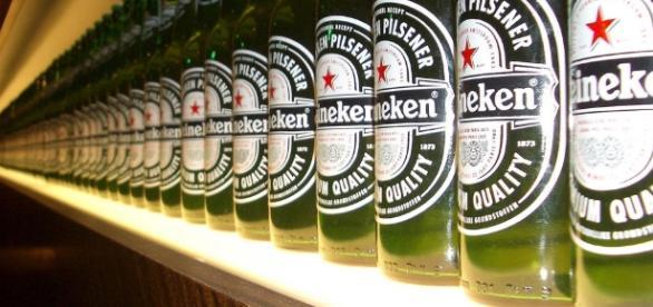 Heineken compra a Schin por R$ 2,2 bilhões.
