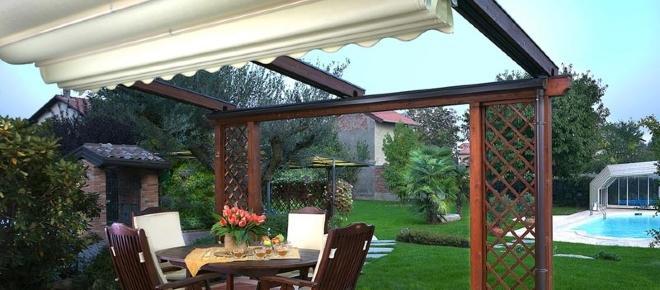 Pergotenda, veranda, gazebo, mini fabbricati: occorre il premesso di costruire ?