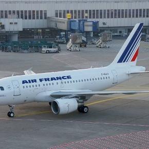 Tragedia a bordo di un volo Air France |  muore bimbo di 3 anni