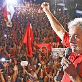 Lula é o candidato favorito para vencer as eleições presidenciais.