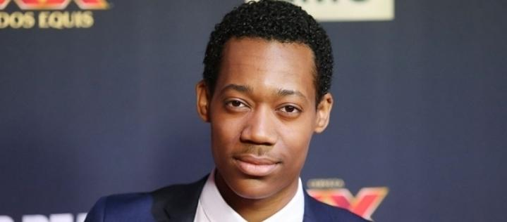 Tyler James Williams revela doença incurável e choca os fãs