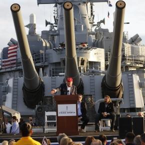 Resultado de imagem para trump militar