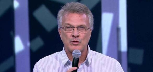 Pedro Bial é vítima de golpe publicitário