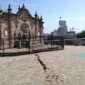 El monumento emblemático se ha descuidado y se encuentra roto.