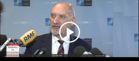 """Antoni Macierewicz """"zgasił"""" dziennikarza TVN-u."""