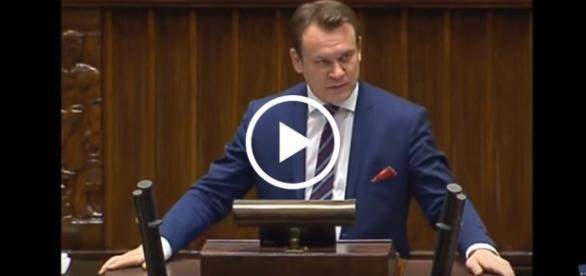 Dominik Tarczyński nie pozostawił na Platformie suchej nitki.