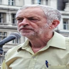 Jeremy Corbyn hit by rebellion - photo: Gary Knight